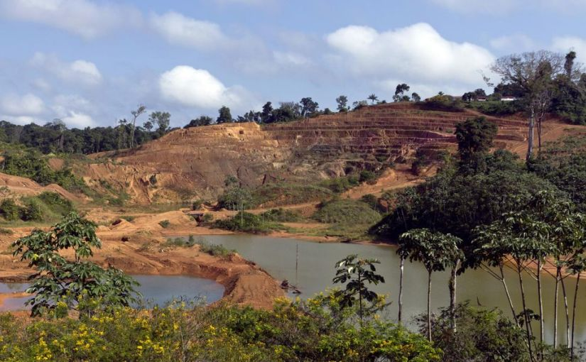 Pillage des ressources et néocolonialisme : de l'argent d'esclaves àl'or